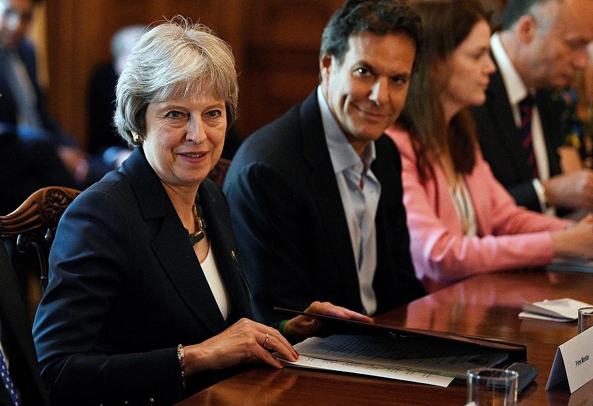 Theresa May Erresuma Batuko lehen ministroa, atzo, bilera batean, Komunen Ganberako bozketen aurretik. ©EFE