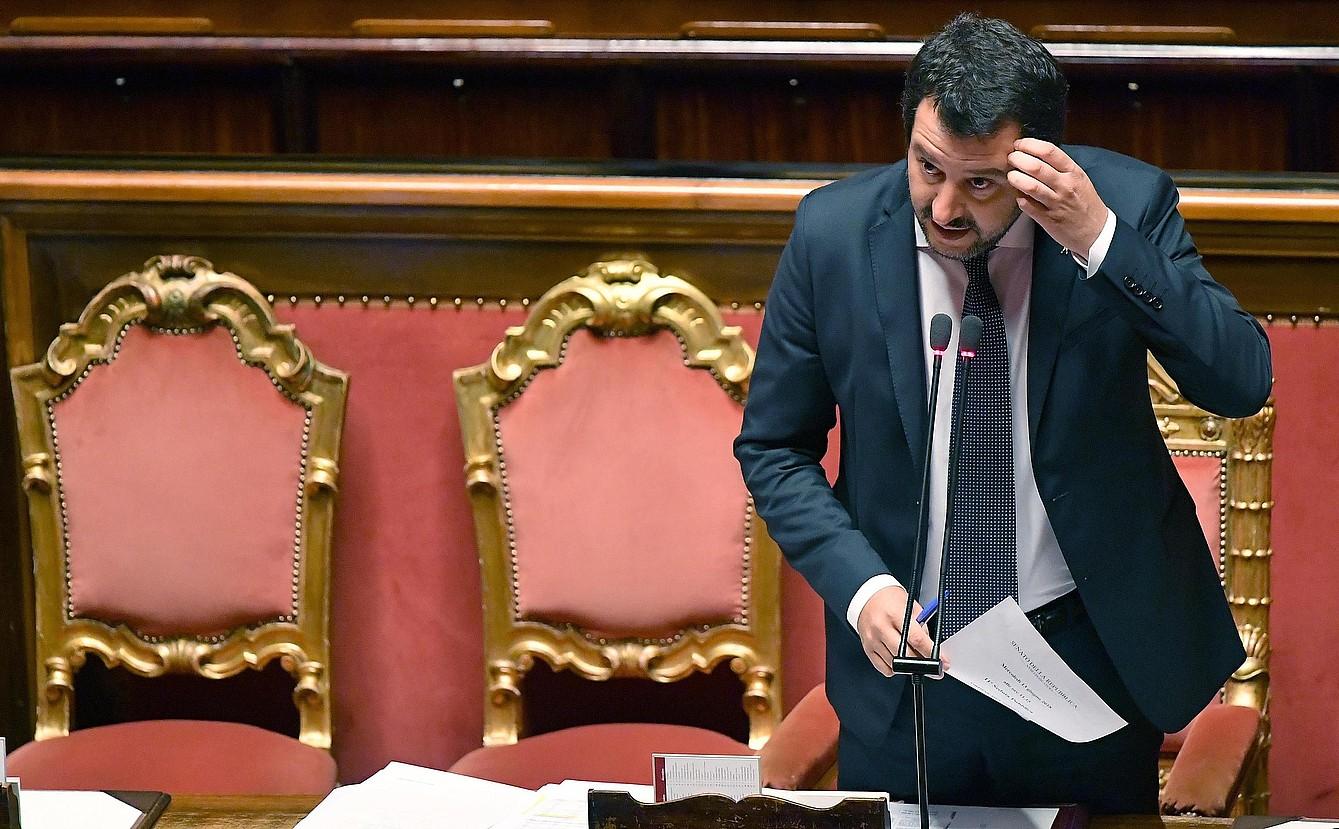 Matteo Salvini azalpenak ematen, atzo, Italiako Senatuan.