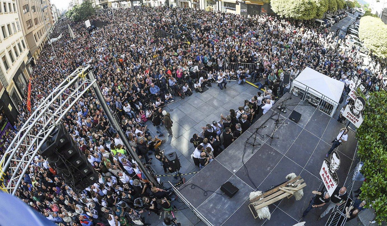 Manifestazioa, atzo, Iruñean, Karlos III.aren etorbideko agertokira iritsita. ©JON URBE / FOKU