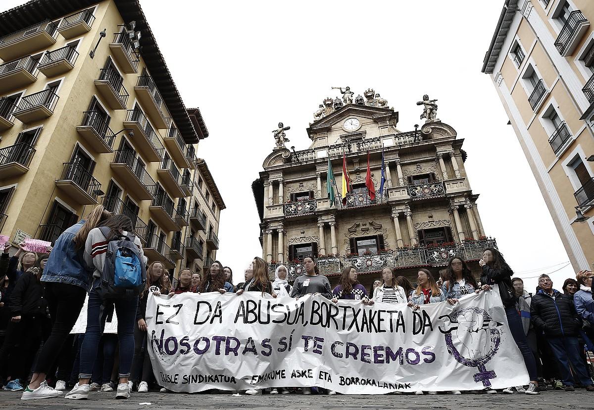 Indarkeria matxistaren aurkako protesta bat, maiatzean, Iruñean. ©JESUS DIGES / EFE