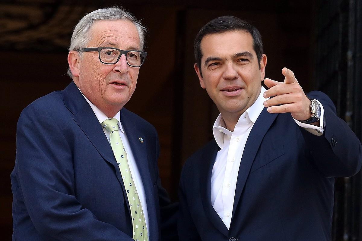 Juncker eta Tsipras, pasa den apirilean egindako bileran. ©ORESTIS PANAGIOTOU / EFE