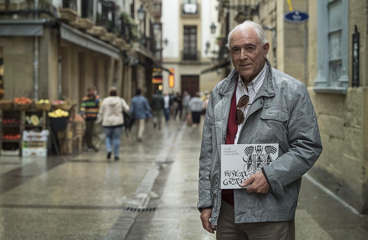 Tomas Hernandez Mendizabal, atzo, Donostian, liburuaren aurkezpenean. ©JON URBE / FOKU