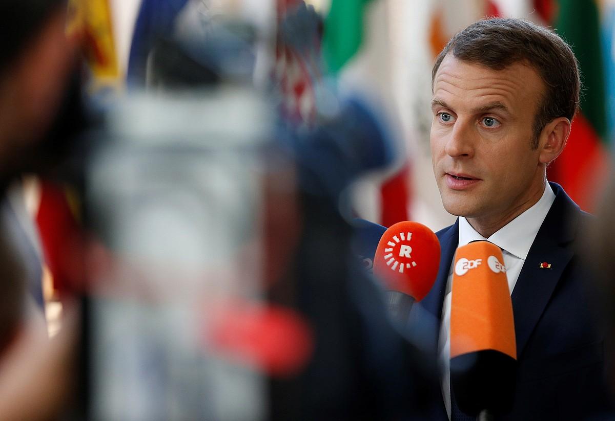Emmanuel Macron Frantziako presidentea, atzo euroari buruzko goi bilerara iristen.