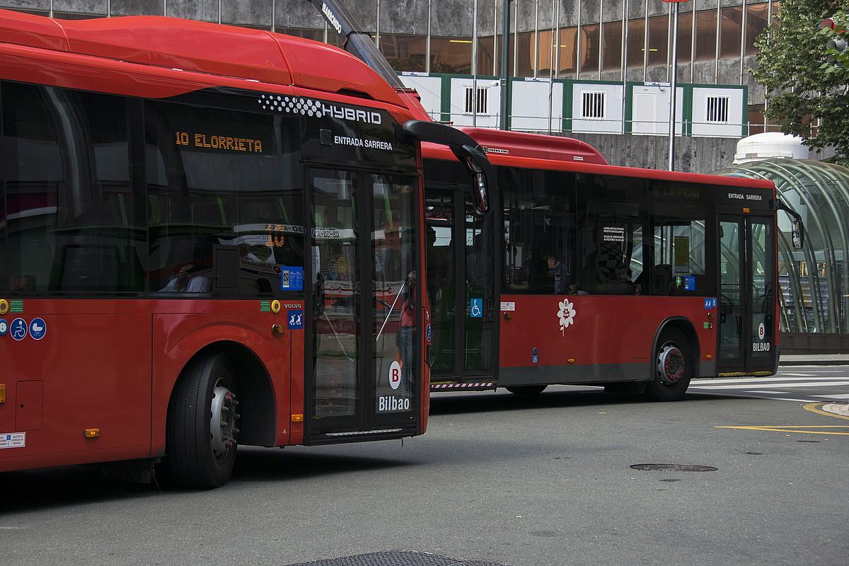 Atzo aurkeztu zuten Bilbobusen zerbitzu berezi berria. ©JUNE PRIETO / FOKU