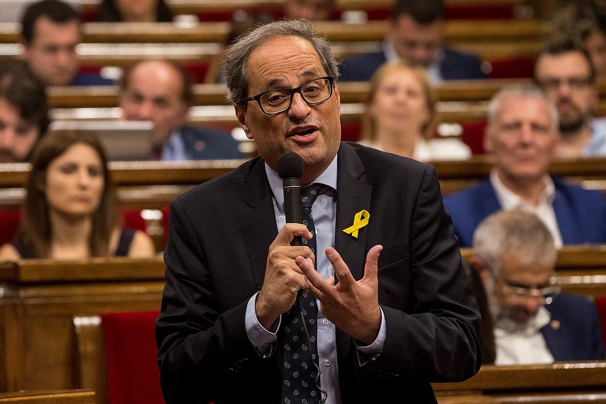 Quim Torra Kataluniako Generalitateko presidentea azalpenak ematen, atzo, Parlamentuan.