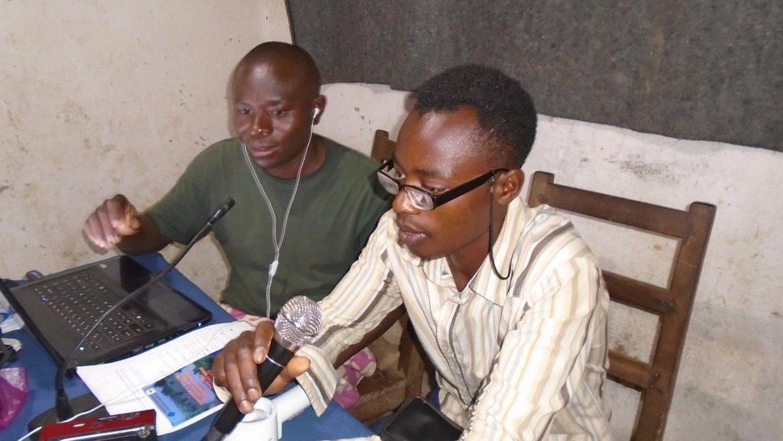 Pingako REPI FM irratiak kinyanga hizkuntzan emititzen du Kongoko ipar-ekialdeko Kivu eskualdean. / THADEE TWENDI