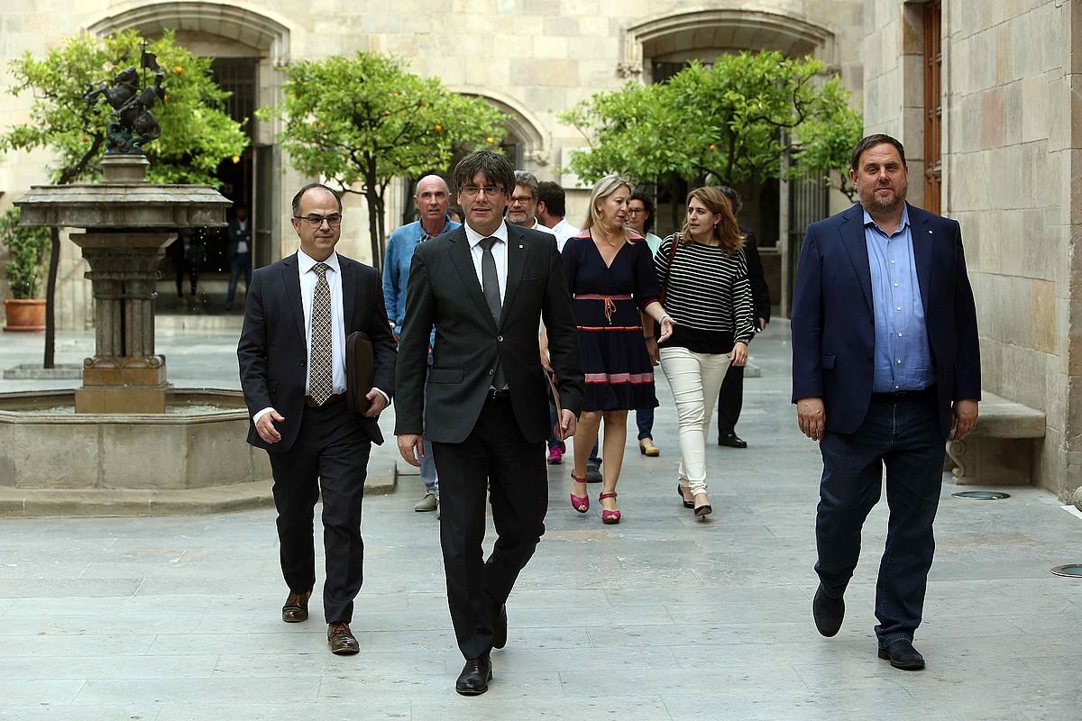 Jordi Turull, Carles Puigdemont eta Oriol Junqueras, iazko maiatzean, Generalitatearen jauregian.