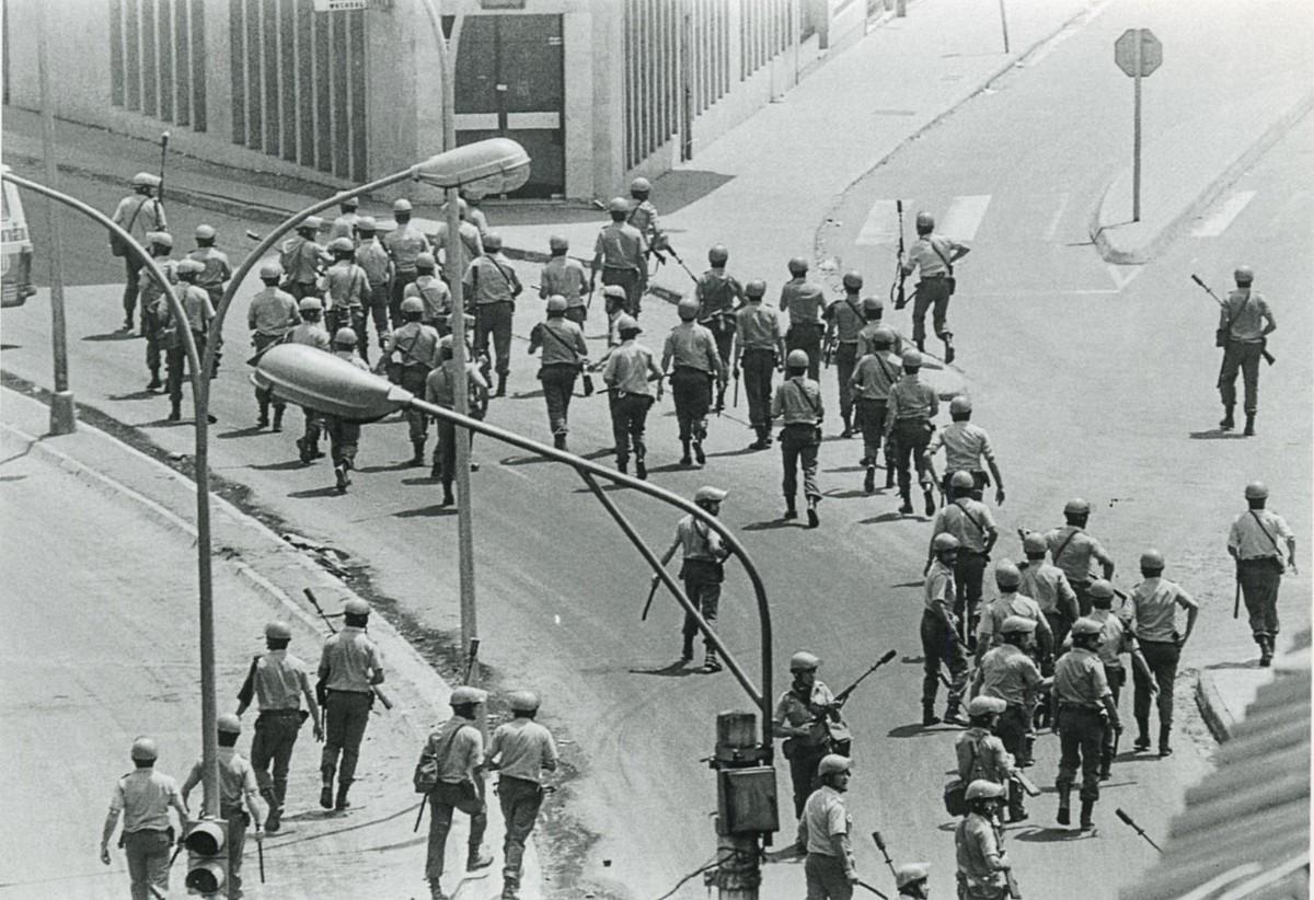 Polizia Armatuak Errenterian, 1978ko uztailaren 13an. ©JESUS MARI PEMAN