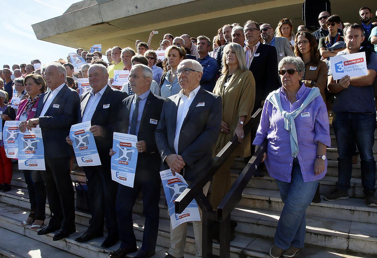 France3 Euskal Herri telebista emanaldiaren aldeko elkarretaratzea, joan zen irailean, Baionan. ©BOB EDME