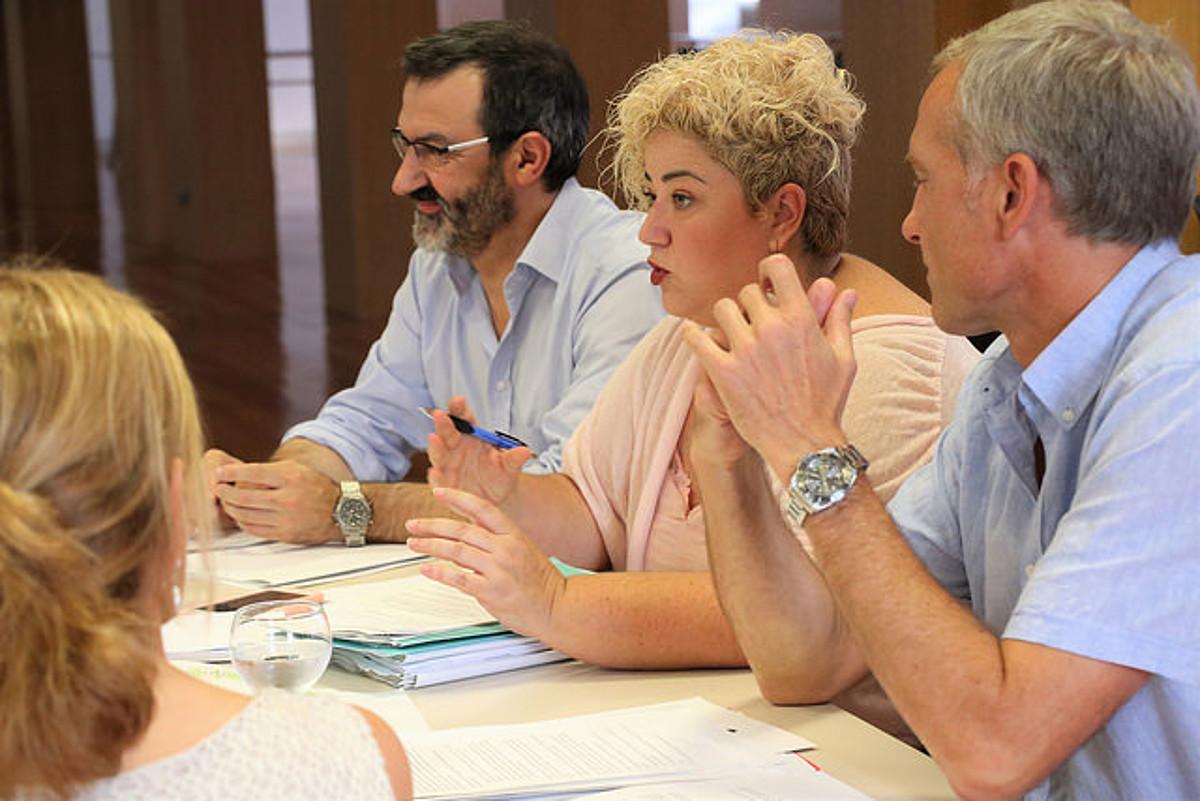 Maite Peña Gizarte Politikako diputatua, erdian. ©GIPUZKOAKO FORU ALDUNDIA