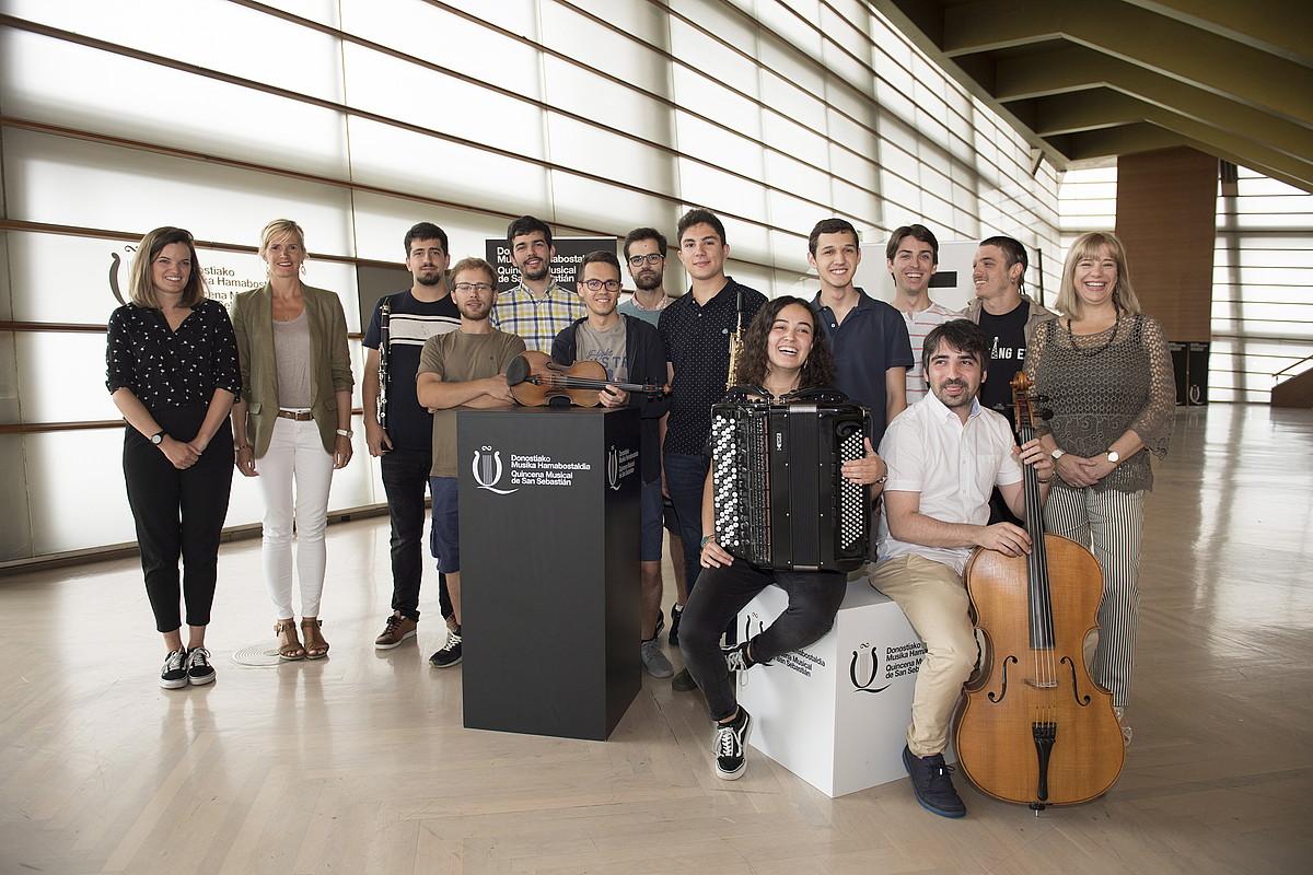 Hainbat musikari gaztek beren errepertoria aurkeztu zuten atzo, Donostiako Kursaalean. ©JUAN CARLOS RUIZ / FOKU