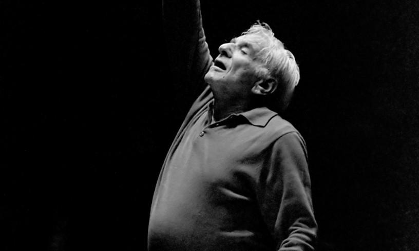Bernstein Amsterdamgo Concertgebouw orkestrarekin entseatzen, 1987an. ©BART MOLENDIJK / ANEFO