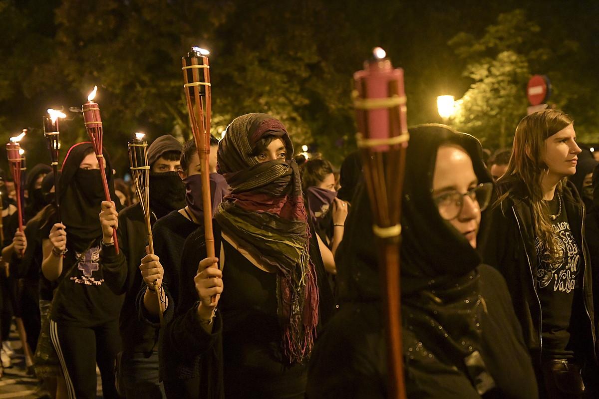 Autodefentsa feministaren aldeko martxa bat, Iruñean, uztail hasieran.