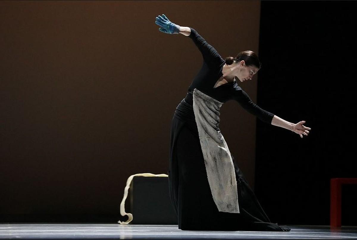 Marie Agnes Gillot, Parisko operako dantzari ohia; Maitaldia zabalduko du Carolyn Carlsonekin. ©BERRIA