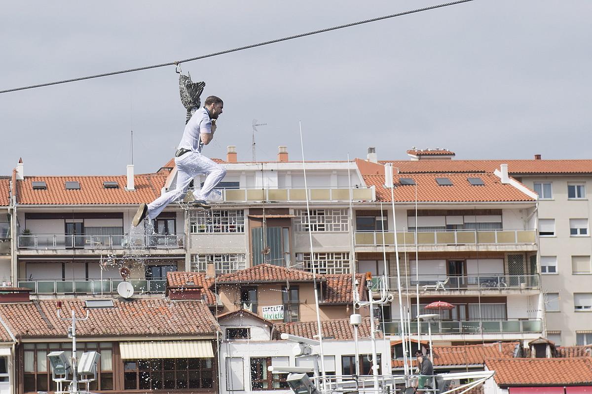 Lekeitioko jaietako ekitaldi nagusia izaten da antzararen jokoa. ©GORKA RUBIO / FOKU