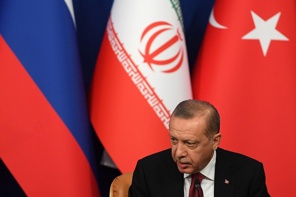 Recep Tayyip Erdogan Turkiako presidentea Teheranen, atzo, bilera ondorengo prentsaurrekoan. ©KIRILL KUDRYAVTSEV / EFE