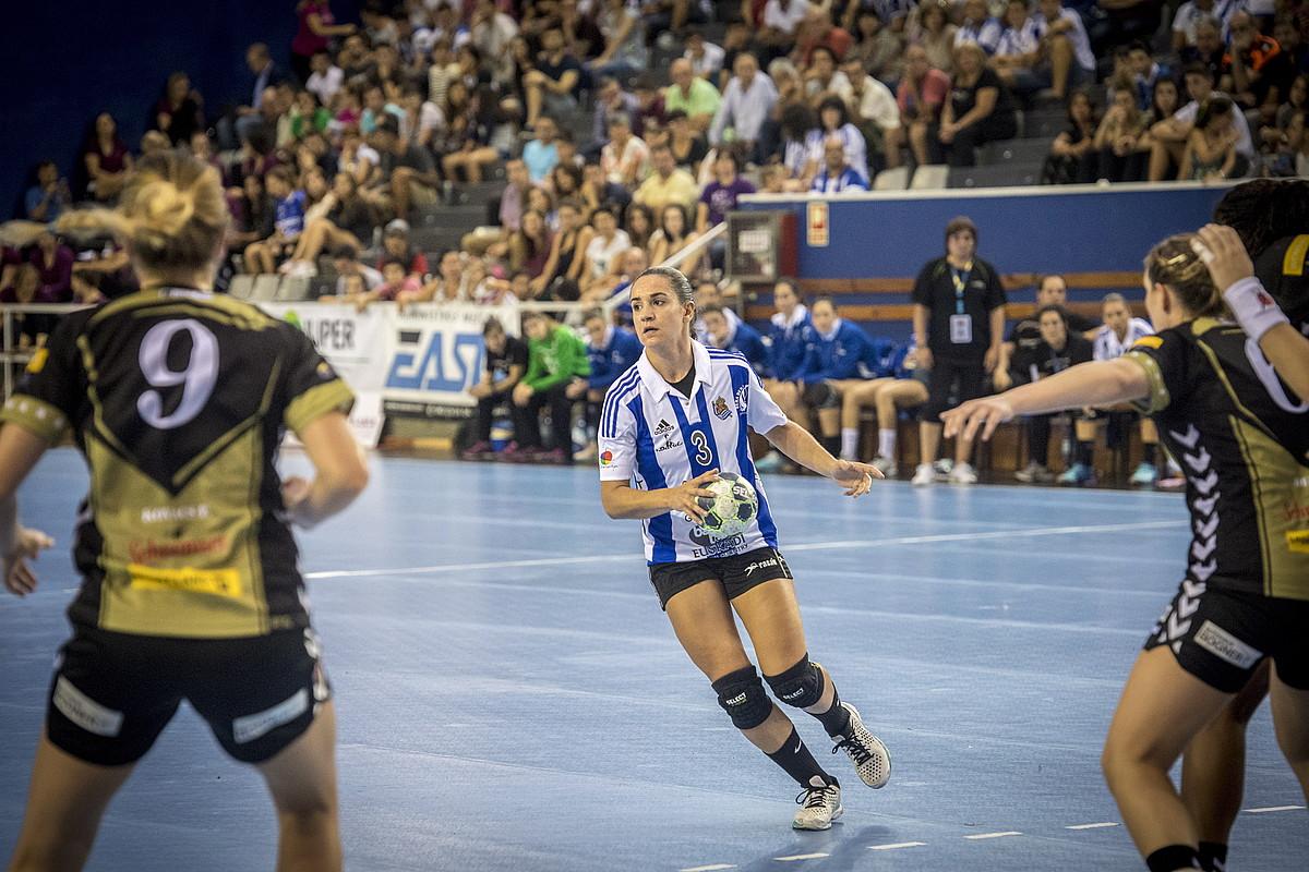 Bera Berak Realeko elastikoarekin jokatu zuen duela bi sasoi Txapeldunen Ligako atarikoa. ©GORKA RUBIO / FOKU