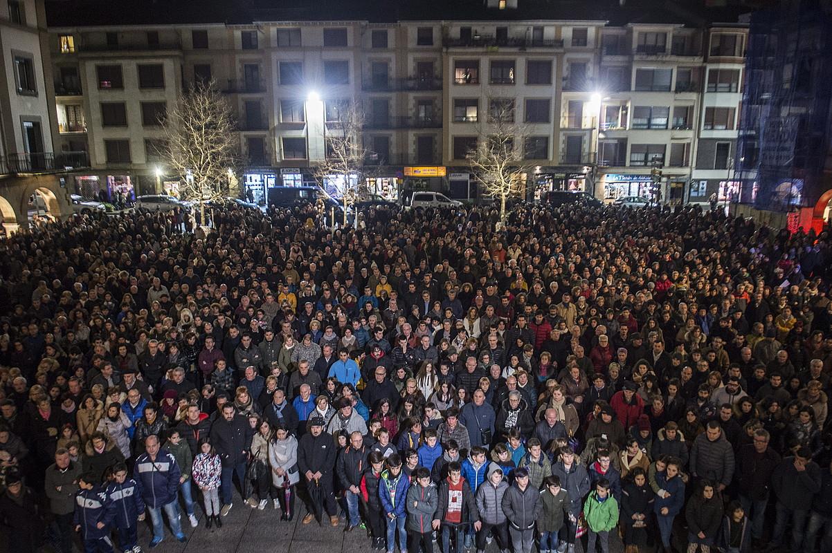 Urrengoetxearen hilketa salatzeko, Zornotzan eginiko protesta.