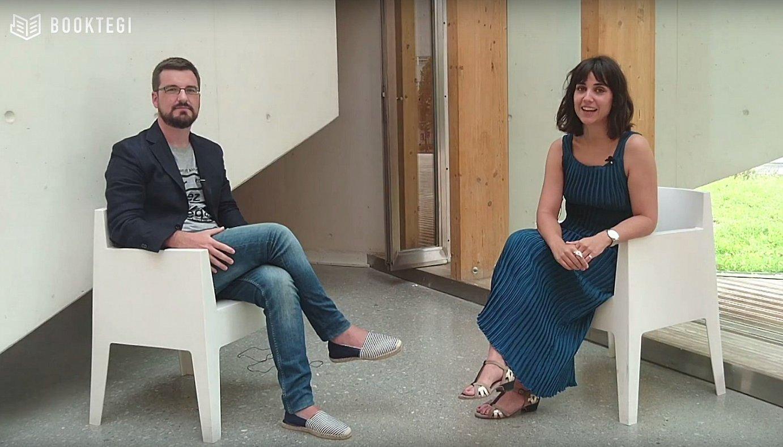 Aritz Galarragak eta Leire Palaciosek aurkeztuko dute <i>Elkarrizkatea</i> telebista saioa. &copy;BOOKTEGI