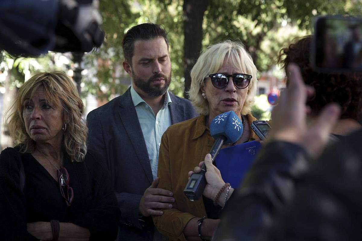 Jose Miguel Cedillo, amarekin, 2016an, Madrilen, Barne Ministerioaren aurrean egindako agerraldian.