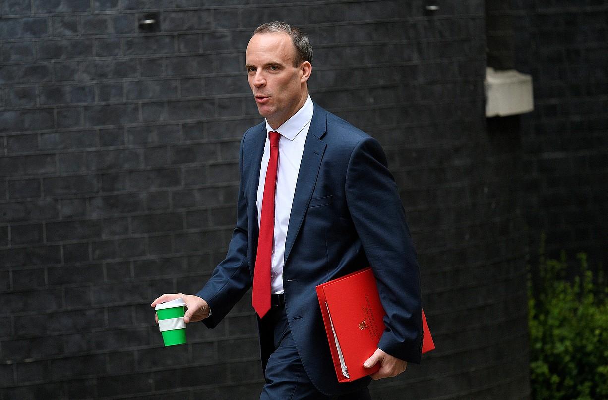 Dominic Raab brexit-erako ministroa, atzo, gobernuaren bileraren aurretik.