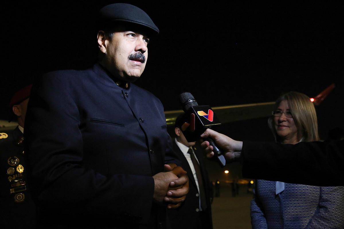 Nicolas Maduro Venezuelako presidentea, atzo, Txinara iristean.