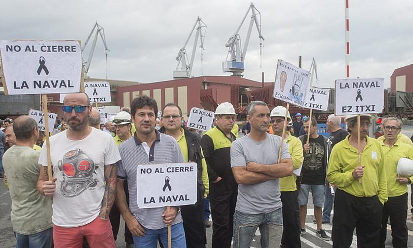 Navaleko beharginen protesta bat, ontziolan bertan, iazko irailean. ©LUIS JAUREGIALTZO / FOKU
