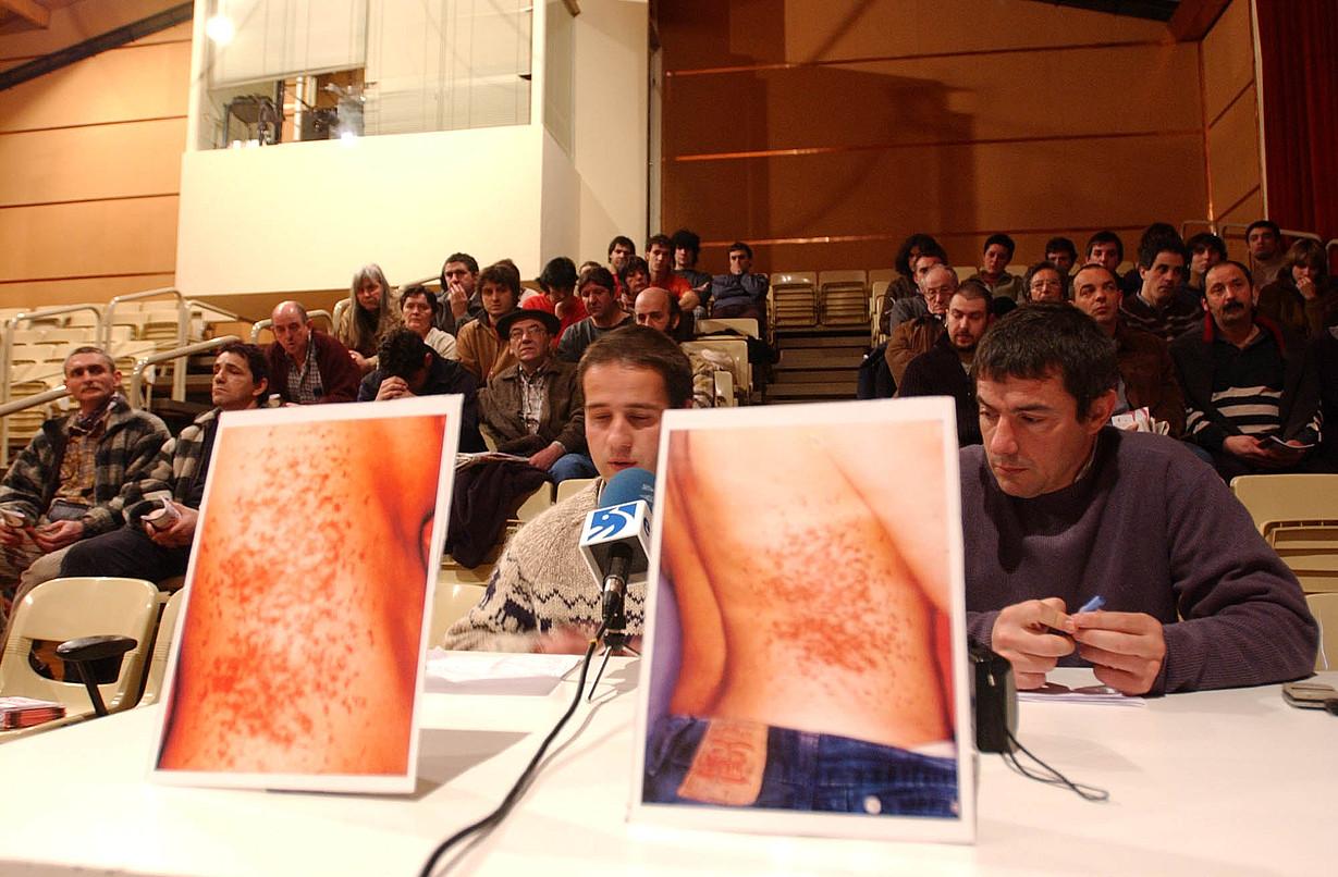 Iratxe Sorzabalen torturak salatzeko prentsaurrekoa, 2002an. ©JON URBE / FOKU