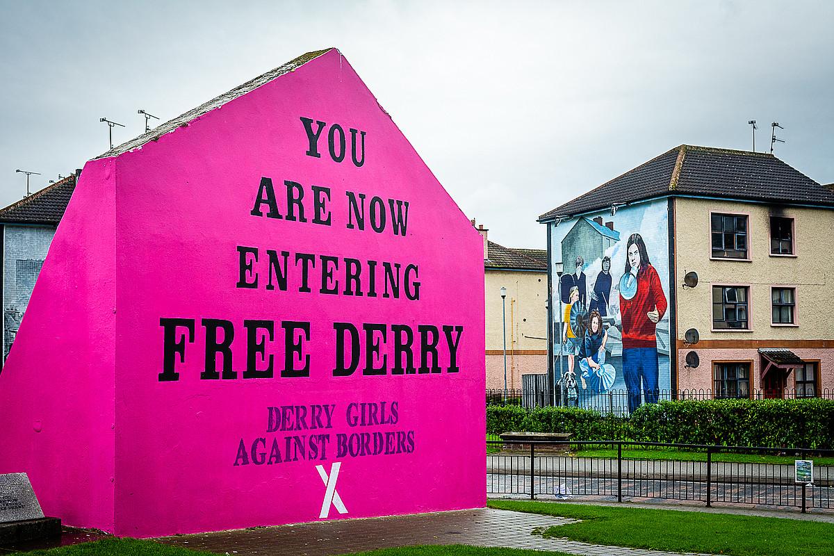 Derryko Bogside auzoan, mugaren aurkako kanpaina.