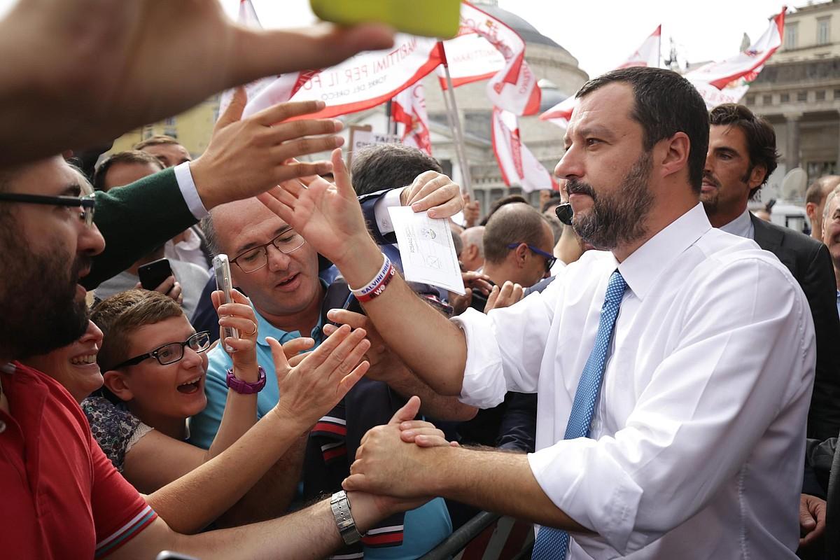 Matteo Salvini Italiako Barne ministro eta Legako liderra, atzo Napolira egindako bisitan. ©MARCO SALES / EFE
