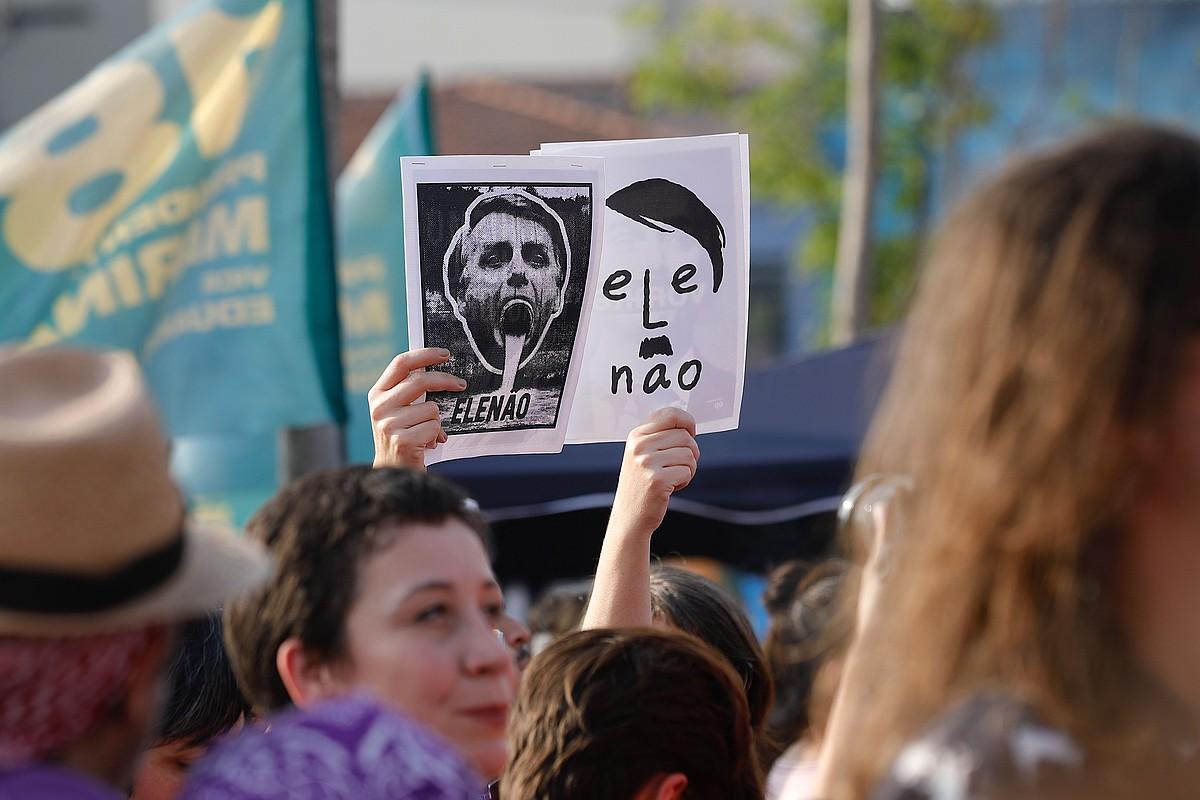 <b>Mobilizaziok.</b> Joan den larunbatean Bolsonaroren hautagaitzaren kontrako manifestazio jendetsuak egin zituzten Brasilen.