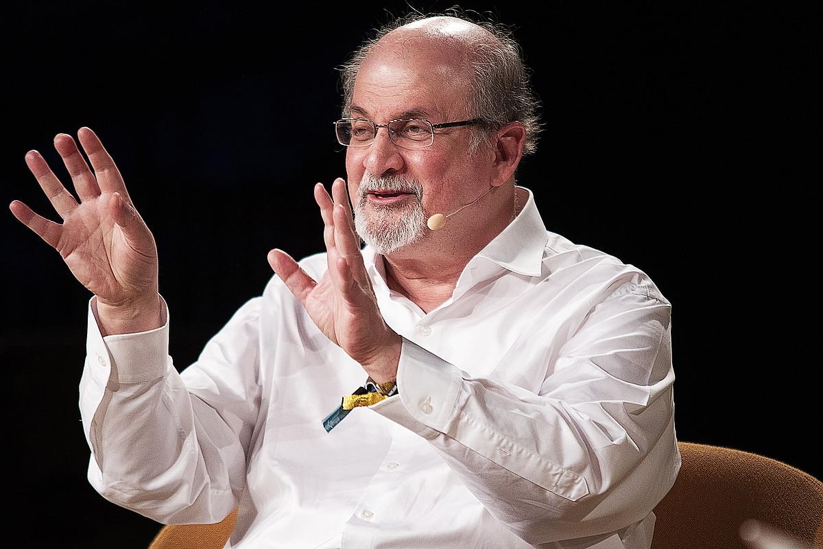 Rushdie hitzaldi bat ematen, joan den ekainean Danimarkan. ©C.BUNDGAARD / EFE