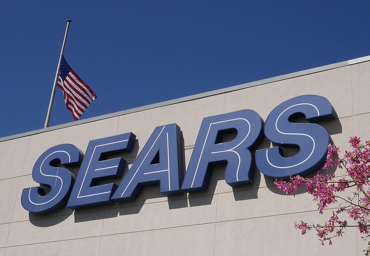 Sears enpresaren saltoki bat Northridgen (Kalifornia, AEB), artxiboko irudi batean. ©MIKEL NELSON / EFE