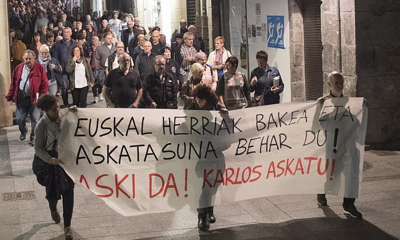 Atzo iluntzean Hernanin egindako manifestazioa. / GORKA RUBIO / FOKU