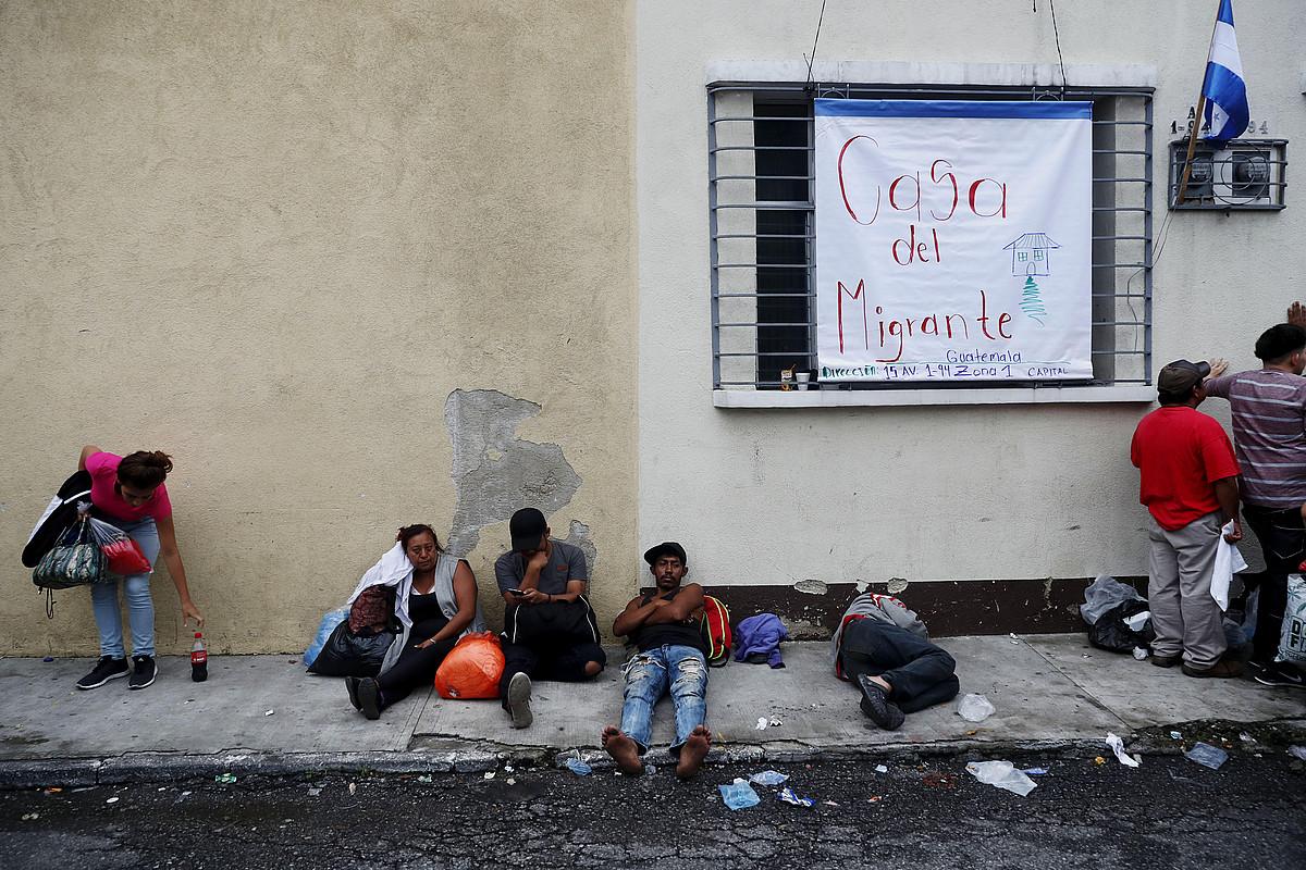 Guatemala Hiriko Migratzaileen Etxea aterpean zain dauden hondurastarrak. ©ESTEBAN BIBA / EFE