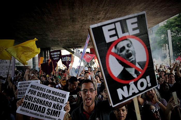 Jair Bolsonaroren kontrako protesta bat, joan den urriaren 20an, Sao Paulon. ©FERNANDO BIZERRA / EFE