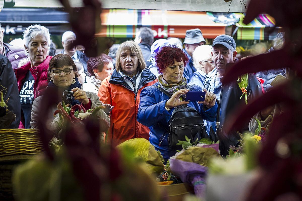 Garaian garaiko produktuak ikusi eta dastatzeko aukera egongo da Gernika-Lumon bihar. ©ARITZ LOIOLA / FOKU