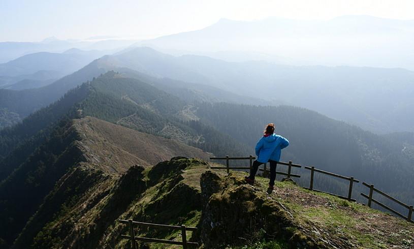 Panoramika itzela zabaltzen da Untzuetako tontorretik. ©JOSEAN GIL-GARCIA