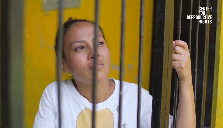 Alba Lorena Rodriguez, espetxean, epai irmoa jaso aurretik ateratako irudi batean. ©BERRIA