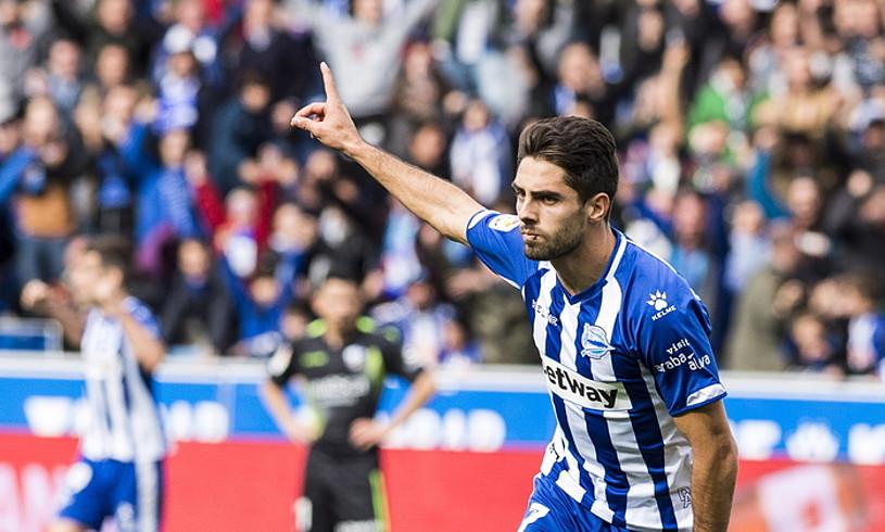 Ruben Sobrino, Huescari sartutako gola ospatzen, joan den igandean, Mendizorrotzan. ©MARISOL RAMIREZ / FOKU