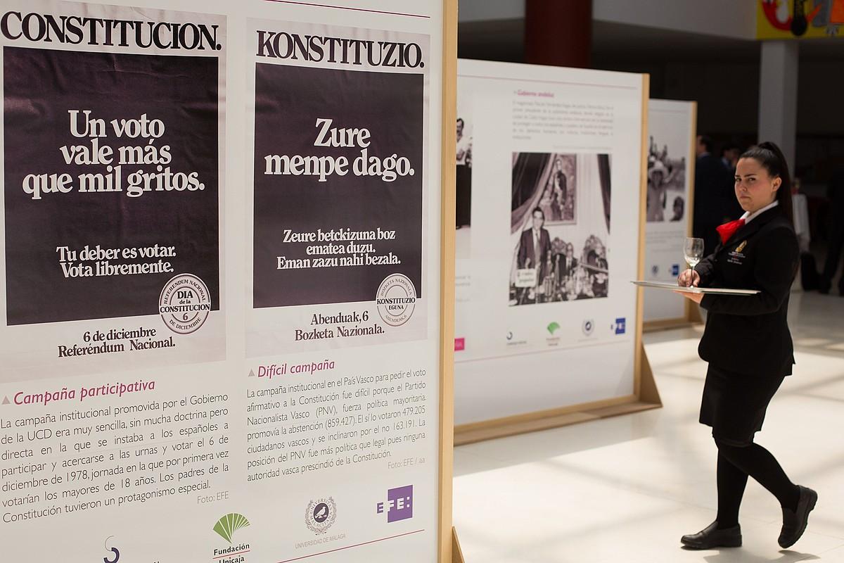 Espainiako Konstituzioa onartzeko prozesuari buruzko erakusketa bat.
