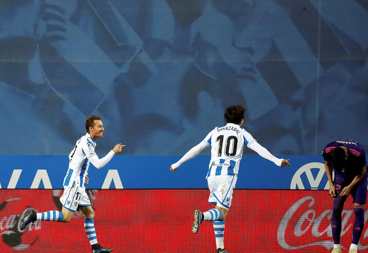 David Zurutuza eta Mikel Oiartzabal, Realaren gol bat ospatzen. Gol bana egin zuten bi jokalariek. ©JAVIER ETXEZARRETA / EFE