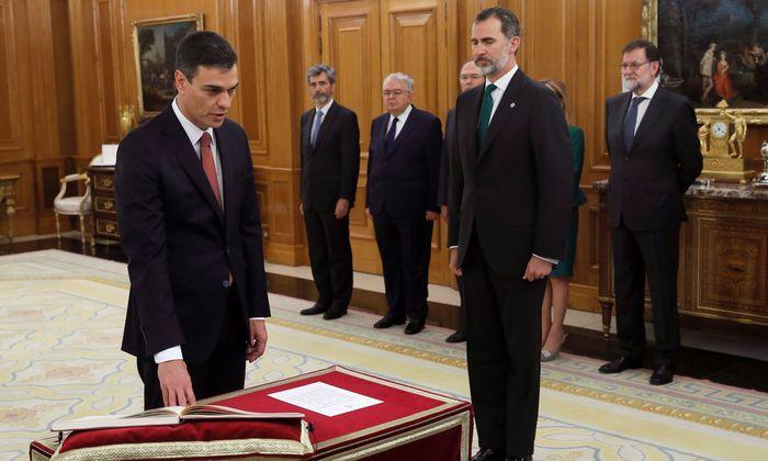 <b>Pedro Sanchez, iragan ekainaren 2an, Madrilen, Espainiako gobernuburu kargua hartzen.</b> / FERNANDO ALVARADO / EFE