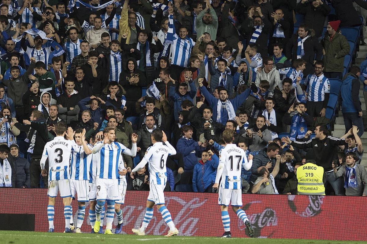 Realeko jokalariak, ligako partidan Celtari sartutako lehen gola ospatzen. ©GORKA RUBIO / FOKU