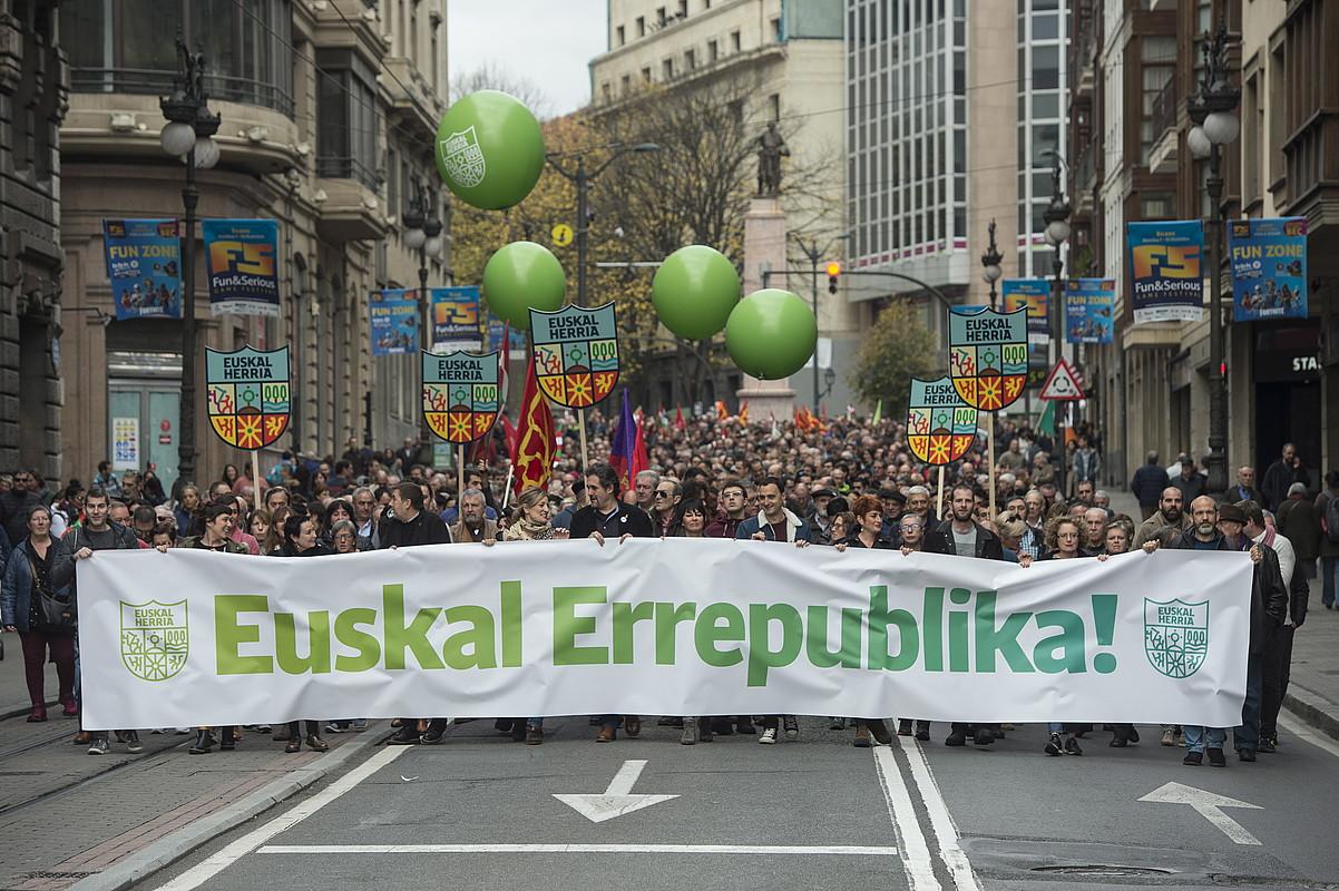 Manifestazioa Bilboko kaleetan, atzo. ©MONIKA DEL VALLE / FOKU