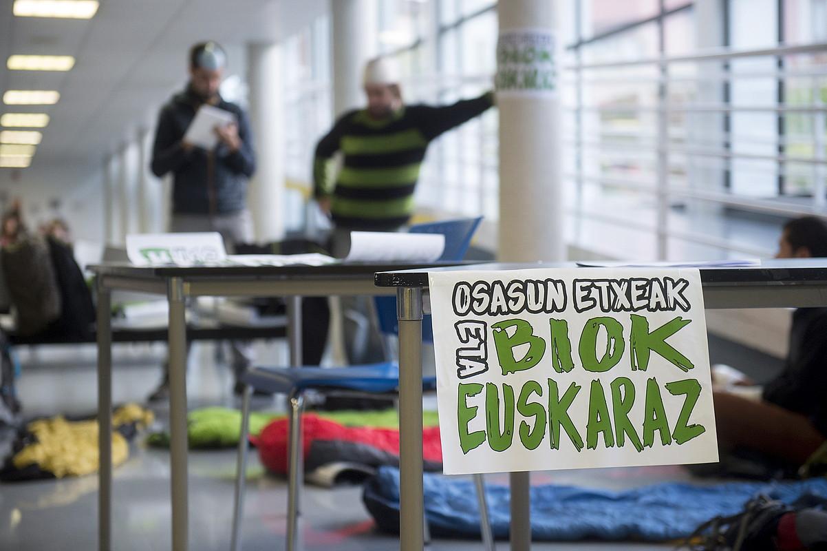 Mediku euskaldunak eskatzeko protesta bat, Iruñean. ©IÑIGO URIZ / FOKU