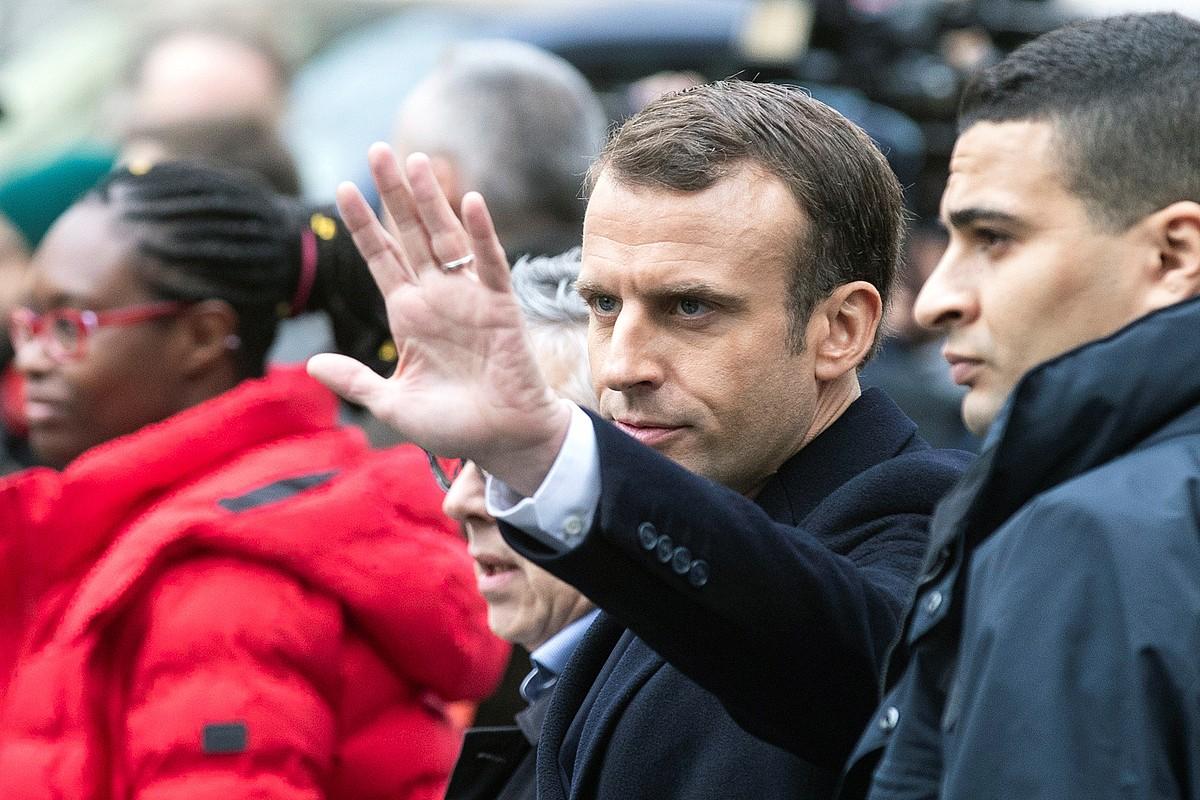 Emmanuel Macron Frantziako presidentea Parisen, iragan igandean, Jaka Horien hirugarren protesta sortaren biharamunean.