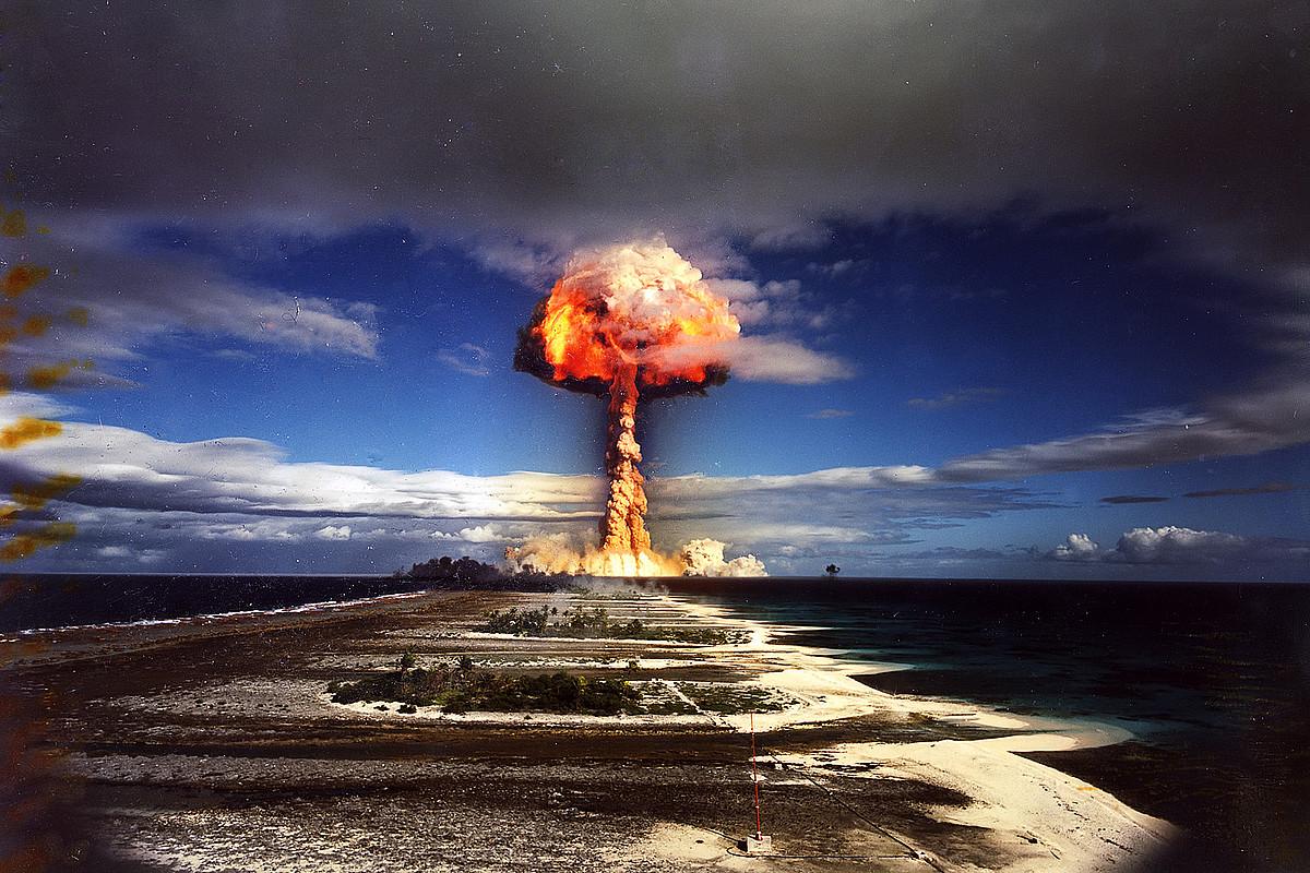 Frantziak 1970eko uztailaren 3an Hiti-Tatau-Mai atoloian egin zuen proba nuklear bat. ©BERRIA