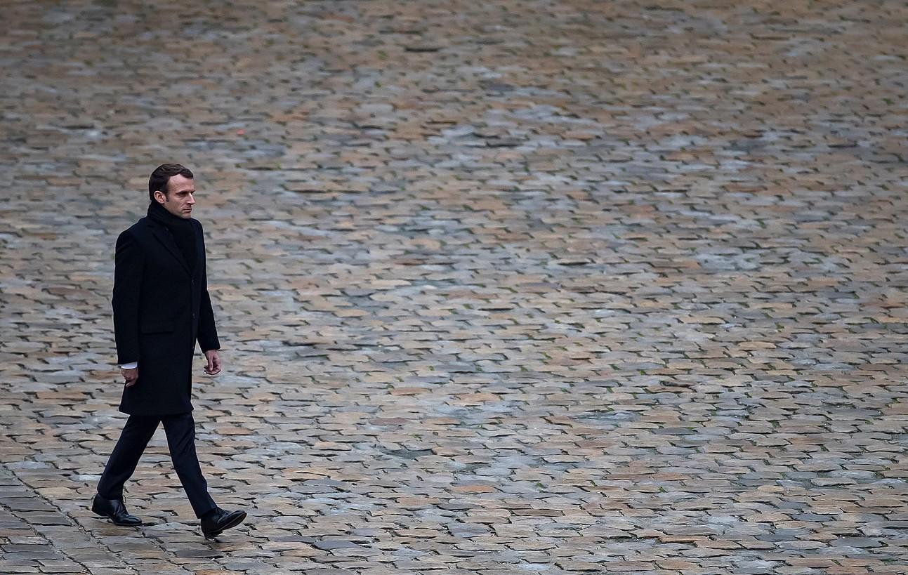 Macron Frantziako presidentea iragan urrian, Parisen, soldaduei egindako omenaldi batean.
