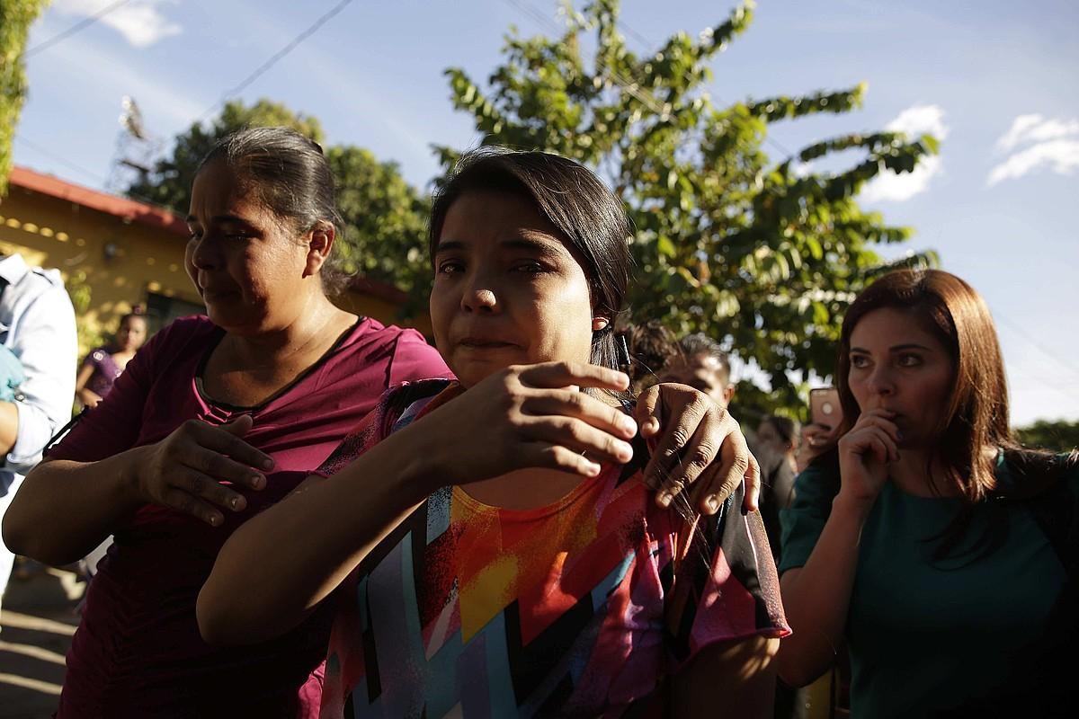 Imelda Cortez Palacios, herenegun, aske utzi ostean, Usulutanen, El Salvadorren. Epaiketa egin bitartean kartzelan eduki dute. ©RODRIGO SURA / EFE